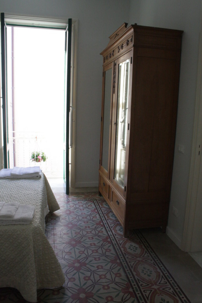 Appartement 3 personne destination trapani for Canape lit facile a ouvrir